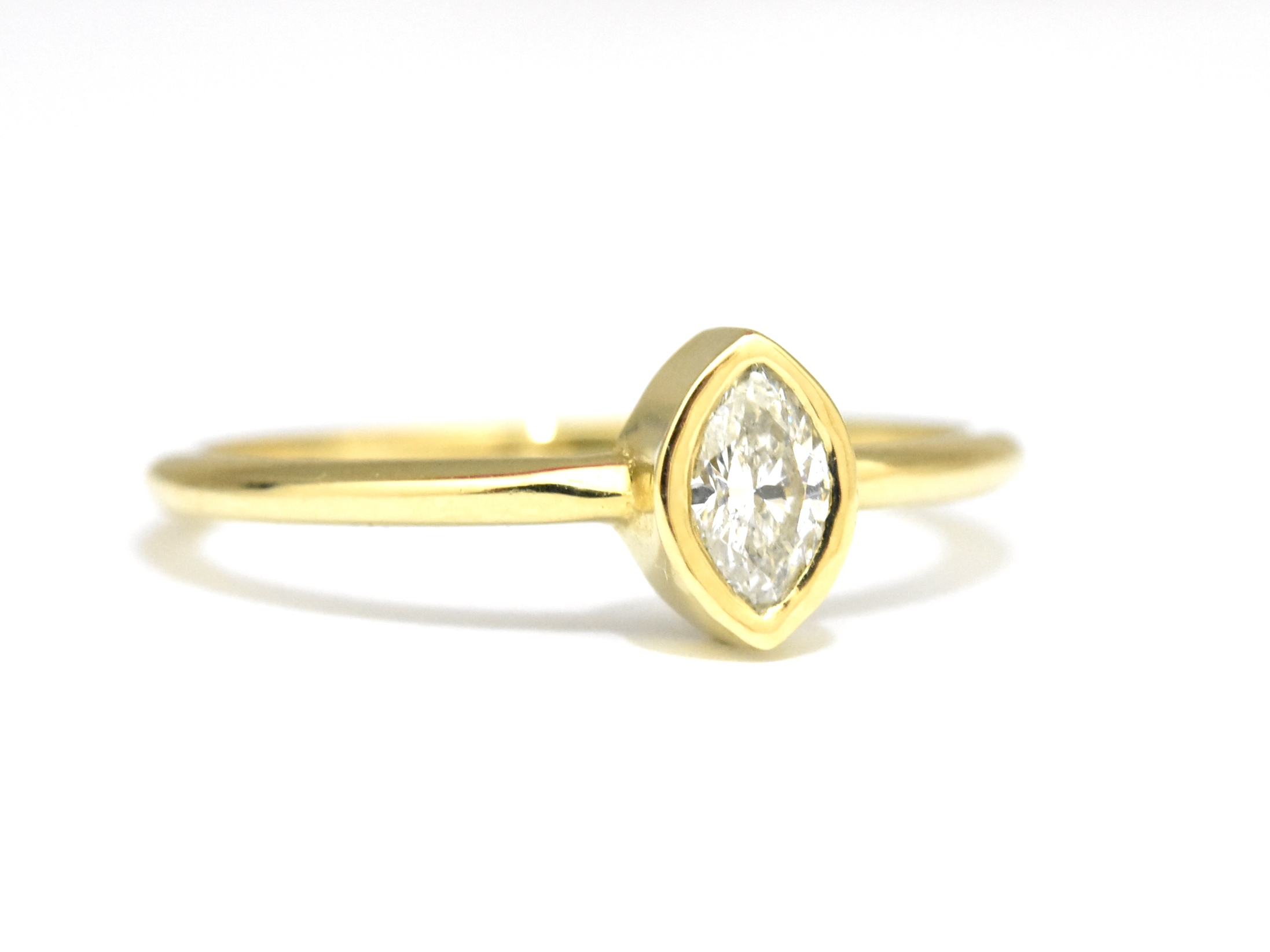 rings cut a gold signature ring diamond graff with on marquise laurence white setting by engagement shank collections